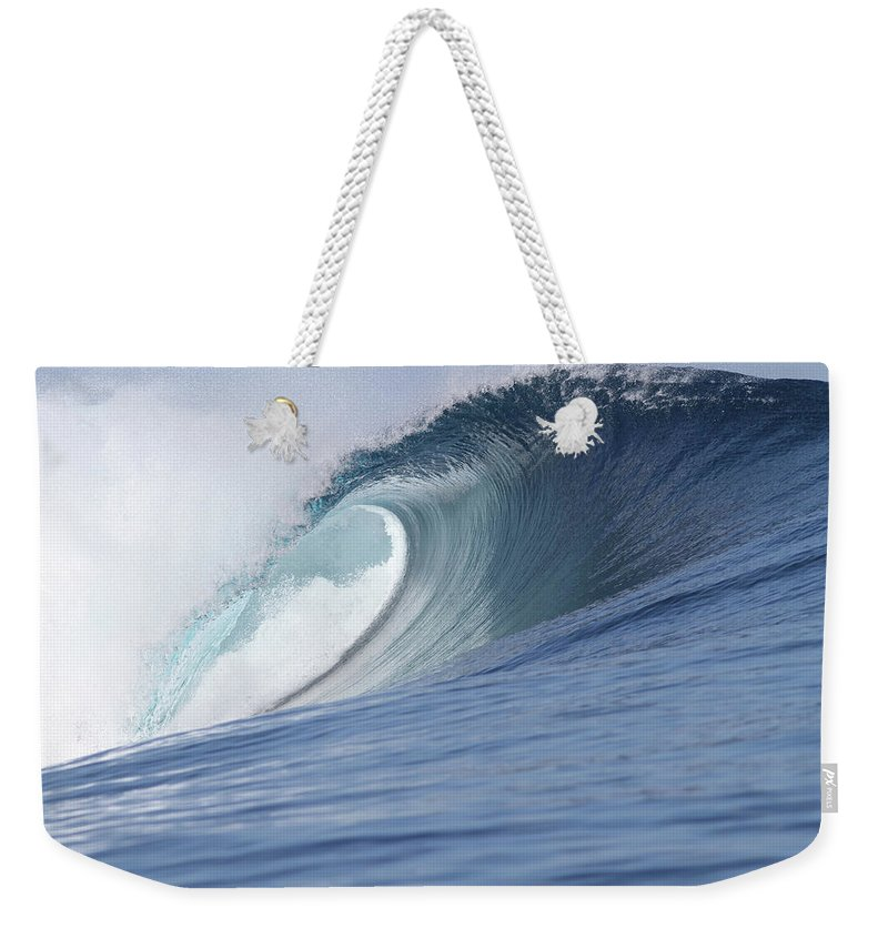 Spray Weekender Tote Bag featuring the photograph Perfect Wave by Reniw-imagery