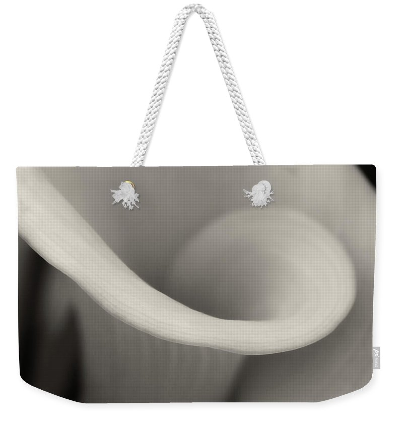 Calla Weekender Tote Bag featuring the photograph Delicate Beauty by Dave Bowman