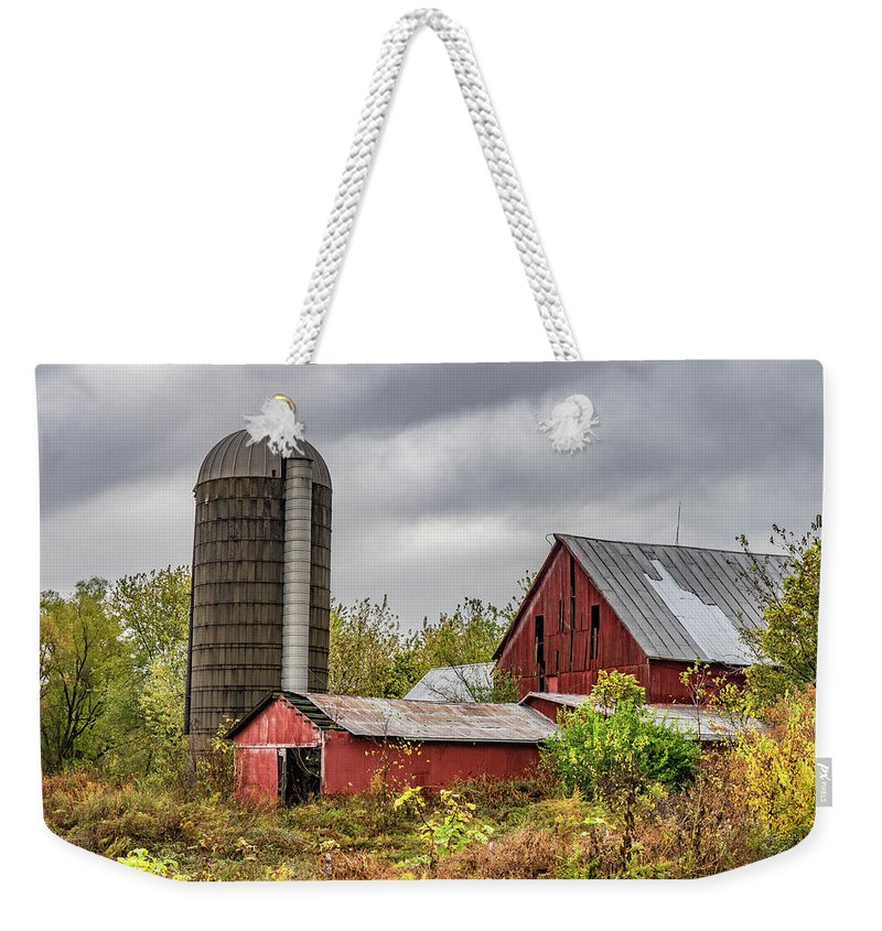Landscape Weekender Tote Bag featuring the photograph Indiana Barn #108 by Scott Smith