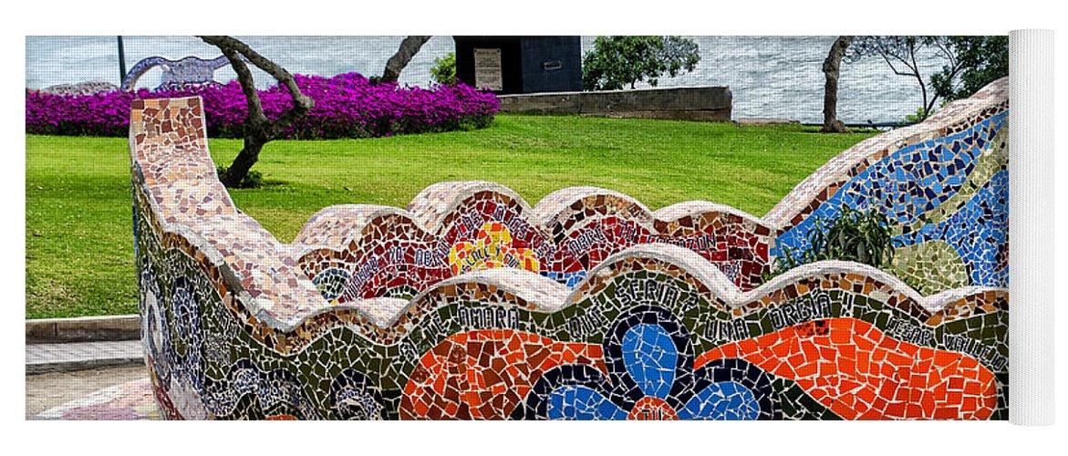 Love Park, Peru Love-park-lima-peru-jon-berghoff