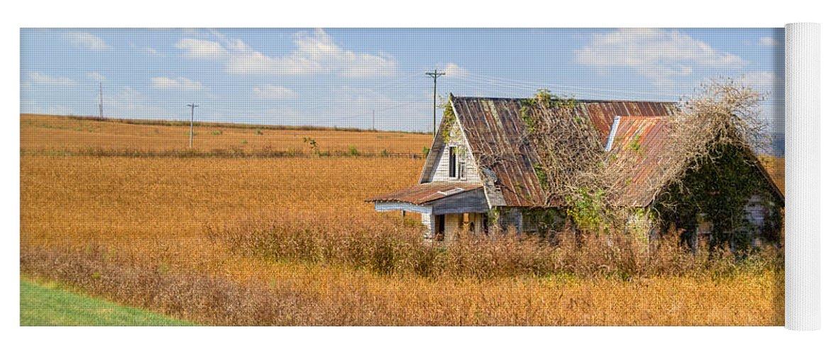 Abandoned Farmhouse And Fielod 10 Yoga Mat