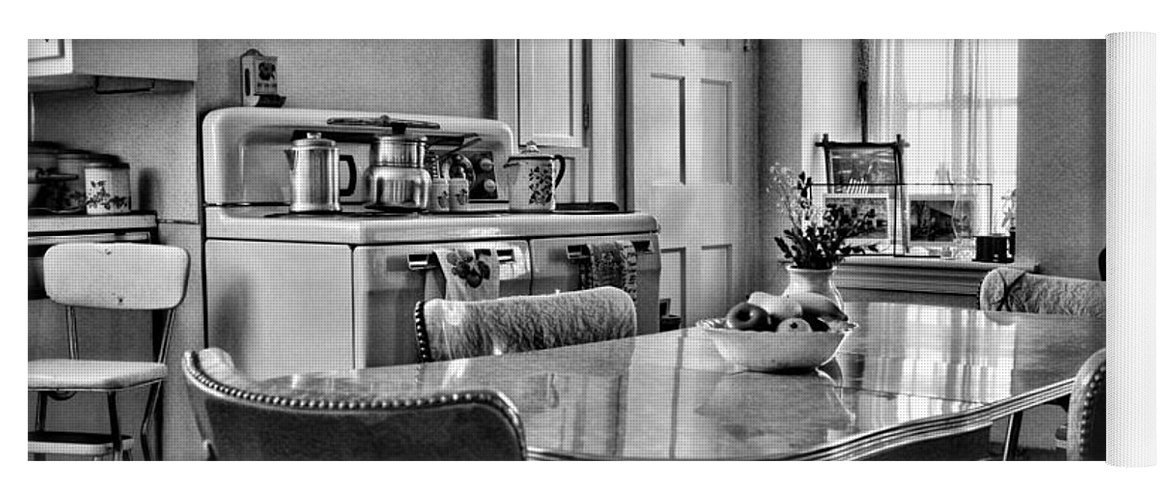 Americana 1950 Kitchen 1950s Retro Kitchen Black And White