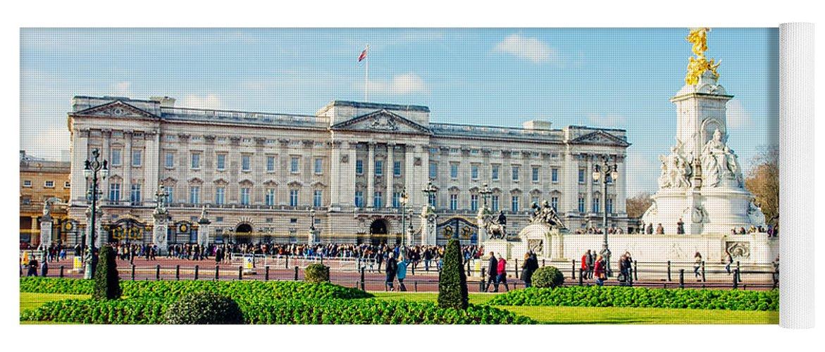 Buckingham Palace Yoga Mat featuring the photograph Buckingham Palace Sunny Day by Pati Photography