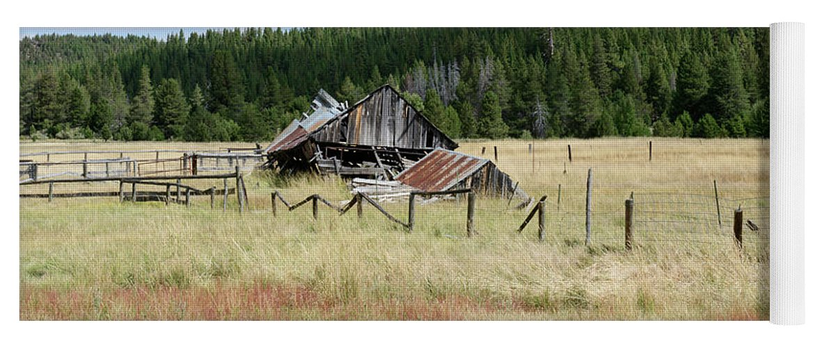 Landscapes Yoga Mat featuring the photograph The Old Barn by Jim Thompson