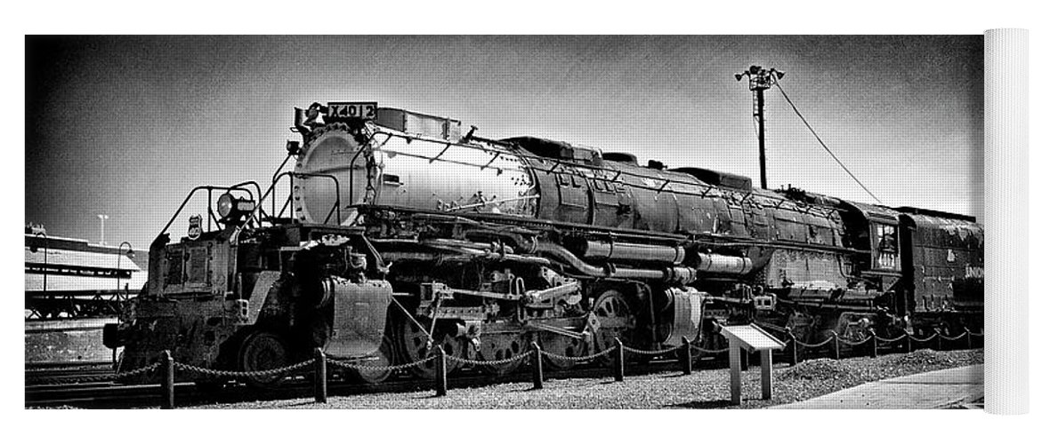 Dir-rr-3239-pb Yoga Mat featuring the photograph Union Pacific Big Boy In B W by Paul W Faust - Impressions of Light