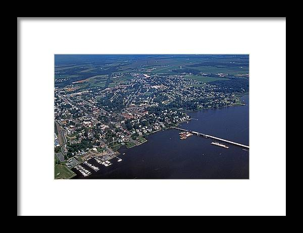Scenic Tours Framed Print featuring the photograph Chestertown Maryland by Skip Willits