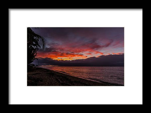 Framed Print featuring the photograph Hawaii Sunset by Kelly Headrick