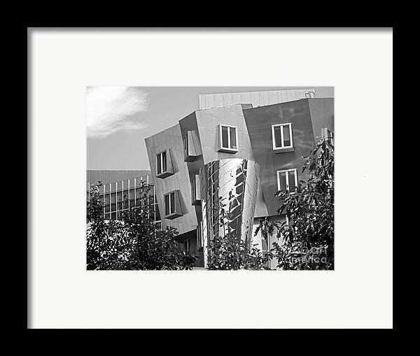 Beaver Framed Print featuring the photograph Massachusetts Institute Of Technology Stata Center by University Icons