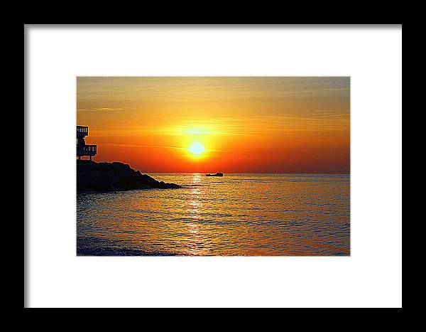 Grandview Sunrise Framed Print featuring the photograph Morning Rise by Katherine Kearney