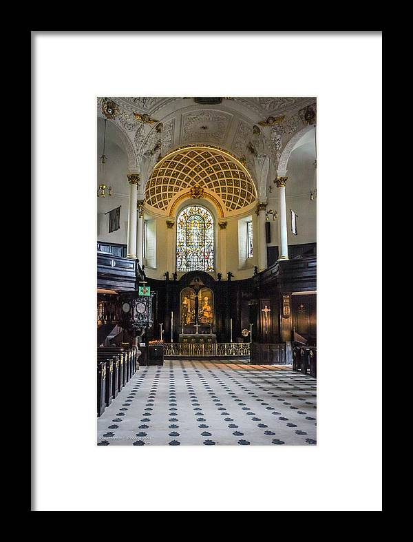 St. Framed Print featuring the photograph St. Clement Danes by Ross Henton