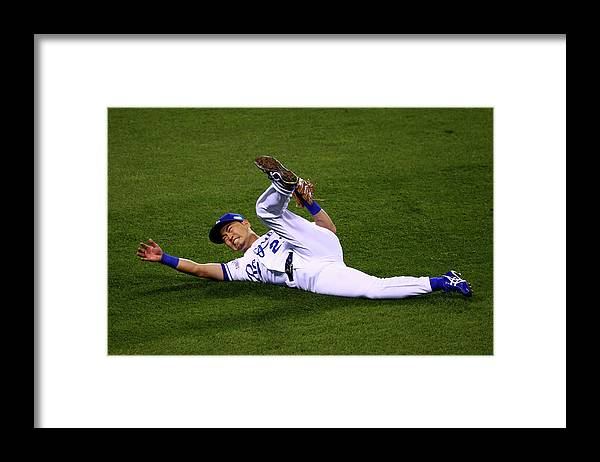 People Framed Print featuring the photograph World Series - San Francisco Giants V by Elsa