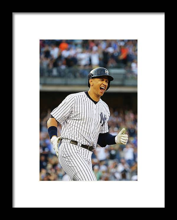 Three Quarter Length Framed Print featuring the photograph Detroit Tigers V New York Yankees 2 by Al Bello