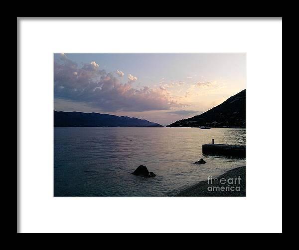 Linda De La Rosa Framed Print featuring the photograph A moment in time by De La Rosa Concert Photography