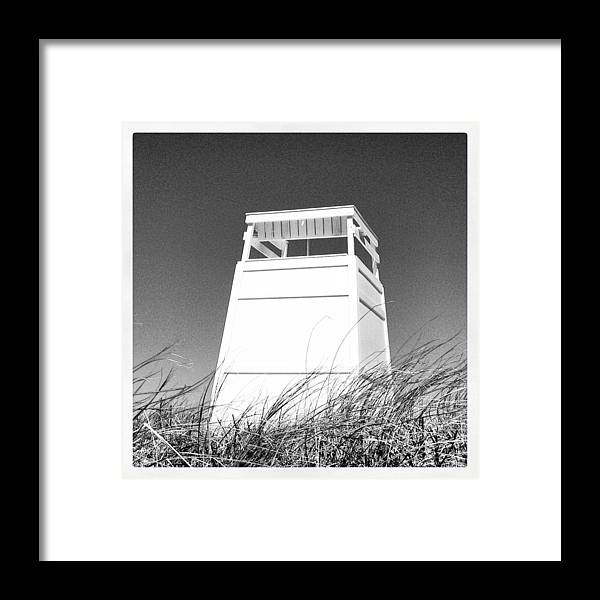 Ocean Framed Print featuring the digital art A Seat At Bend In The Road by Barbara Bellissimo
