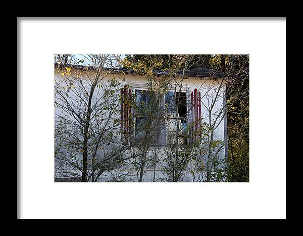 Old House Framed Print featuring the photograph Abandoned by Carolyn Fletcher