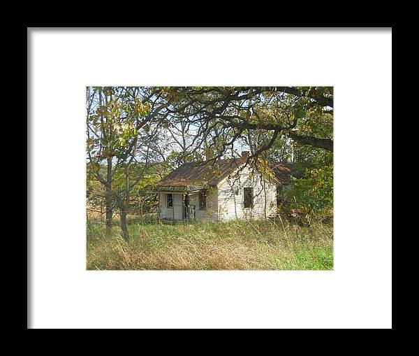 Old House Framed Print featuring the photograph Abandoned by Coleen Harty