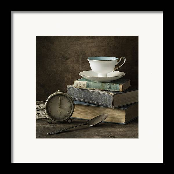 Tea Cup Framed Print featuring the photograph Afternoon Tea by Amy Weiss