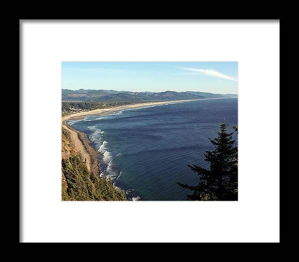 Oregon Coast Framed Print featuring the photograph An Oregon View Point by Chris Anderson