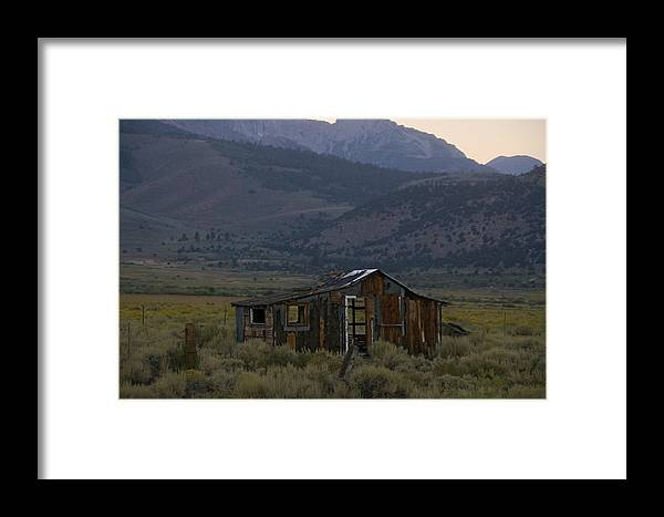 Highway Framed Print featuring the photograph Another Evening For A Long-forgotten Home by Scott Lenhart
