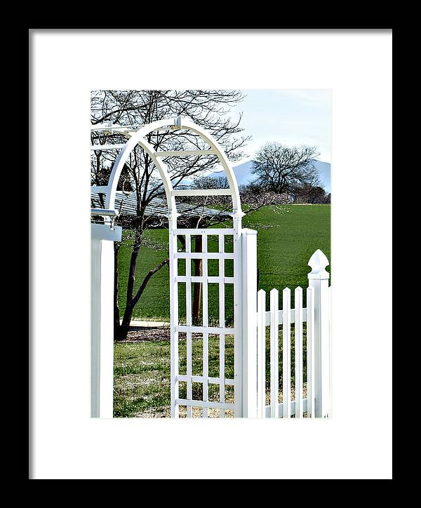 Archway Framed Print featuring the photograph Archway To Beauty by Linda A Waterhouse
