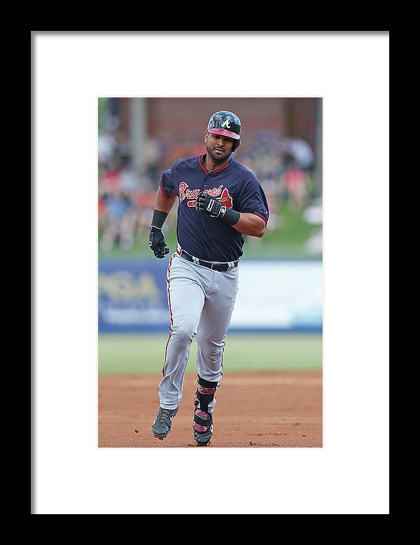 Individual Event Framed Print featuring the photograph Atlanta Braves V New York Mets by Joel Auerbach