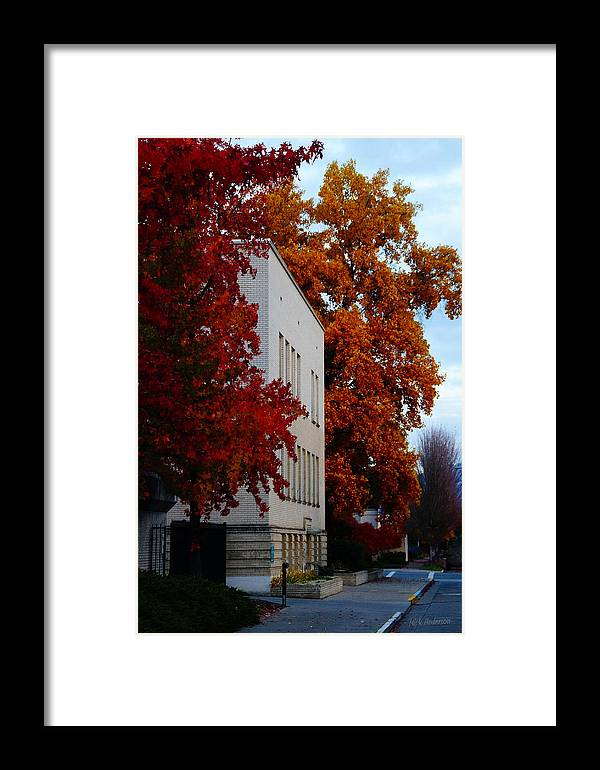 Autumn Framed Print featuring the photograph Autumn At The Grants Pass Courthouse by Mick Anderson