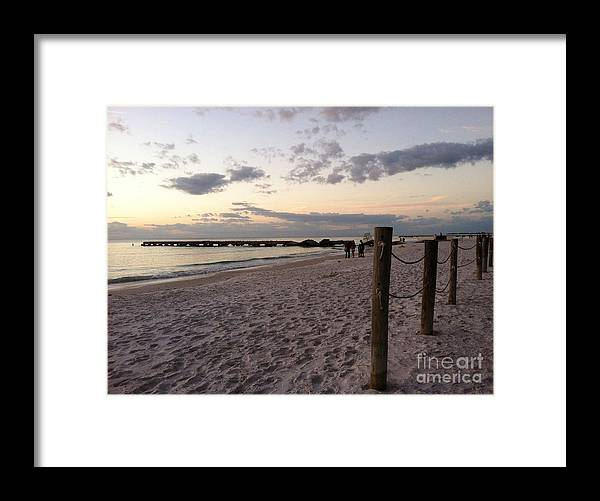 Landscape Framed Print featuring the photograph Beachscape by Melissa Darnell Glowacki
