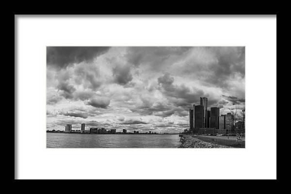Detroit Framed Print featuring the photograph Black And White Detroit Skyline by John McGraw