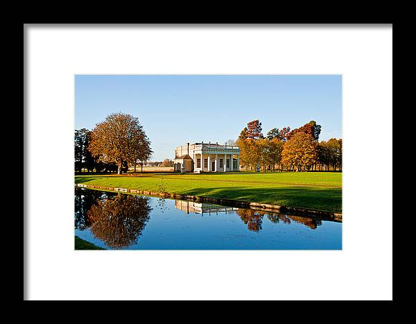 Bowling Gren House Framed Print featuring the photograph Bowling Green House by Chris Thaxter