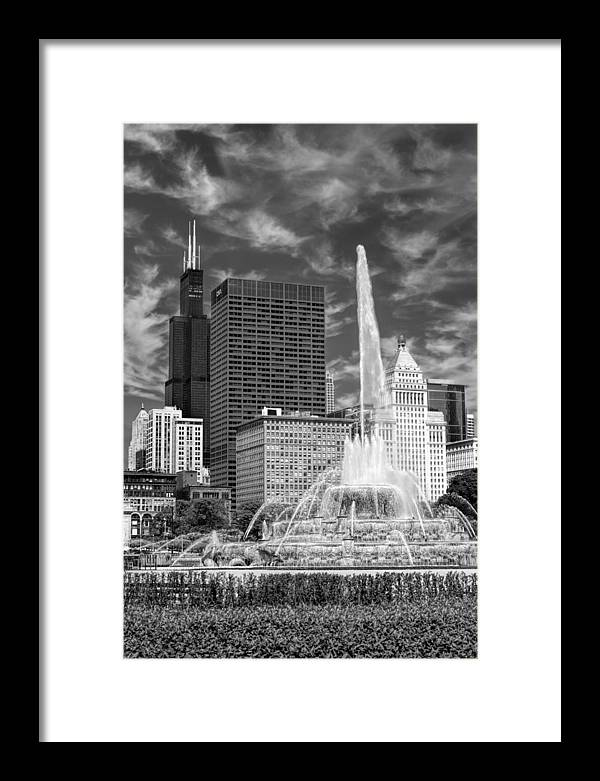 Buckingham Fountain Framed Print featuring the photograph Buckingham Fountain Sears Tower Black And White by Christopher Arndt