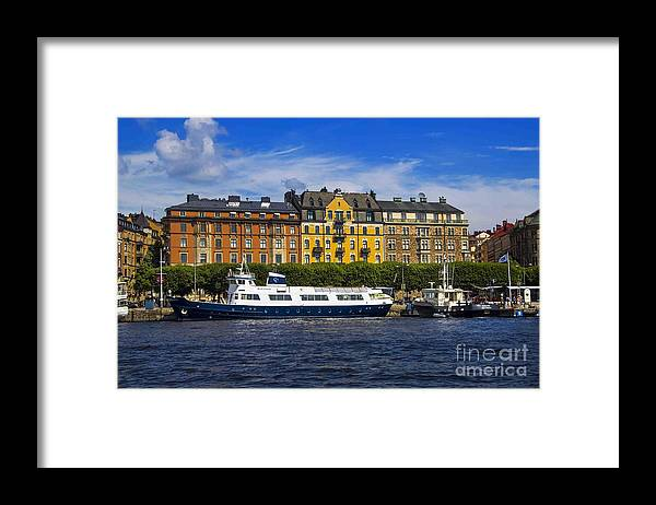 Building Framed Print featuring the photograph Buildings And Boats by Roberta Bragan