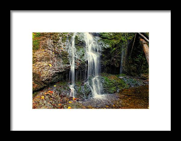 Washington Framed Print featuring the photograph Cascade Falls In The Fall by Rick Lawler