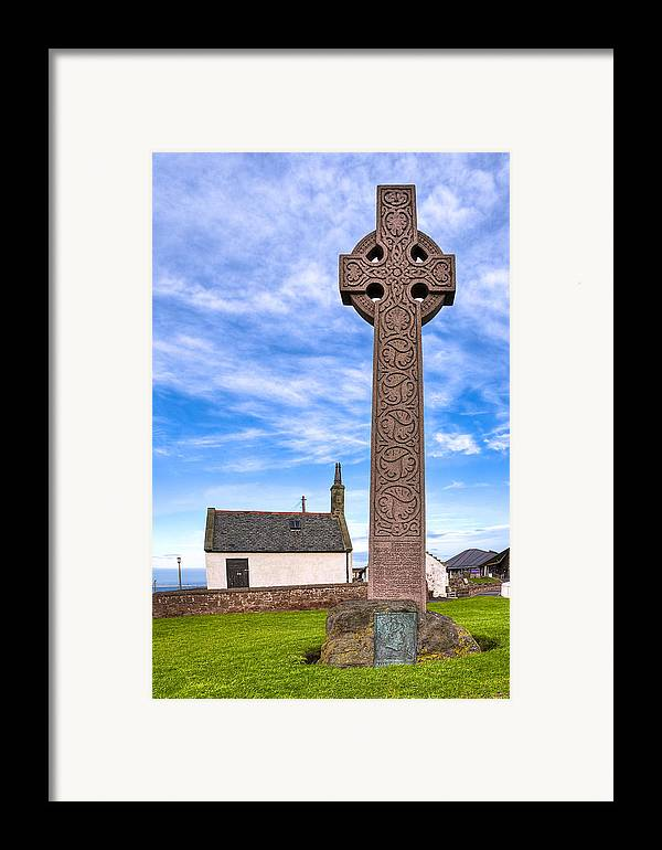 Celtic Cross Framed Print featuring the photograph Celtic Cross On The Scottish Coast At North Berwick by Mark E Tisdale