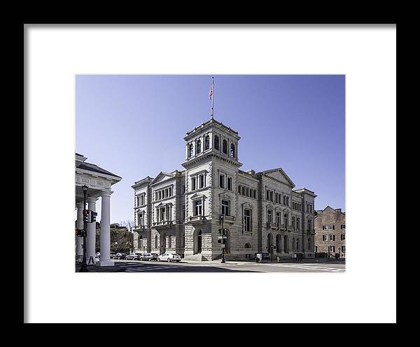Post Office Framed Print featuring the photograph Charleston Post Office And Courthouse by Lynn Palmer