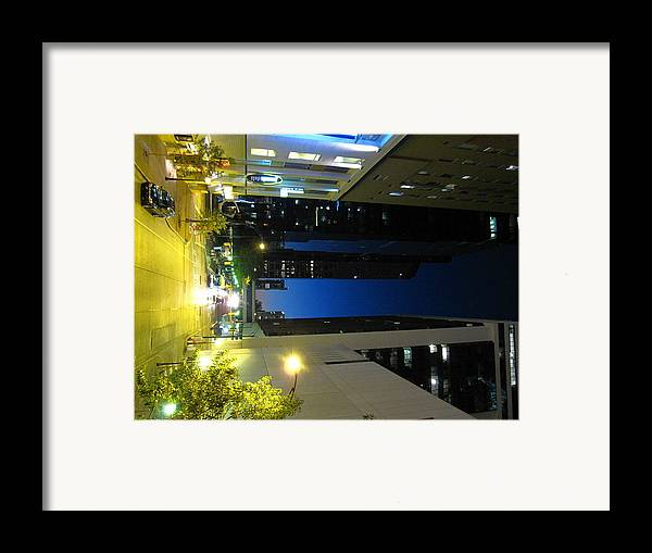 Charlotte Framed Print featuring the photograph Charlotte Nc - 01138 by DC Photographer