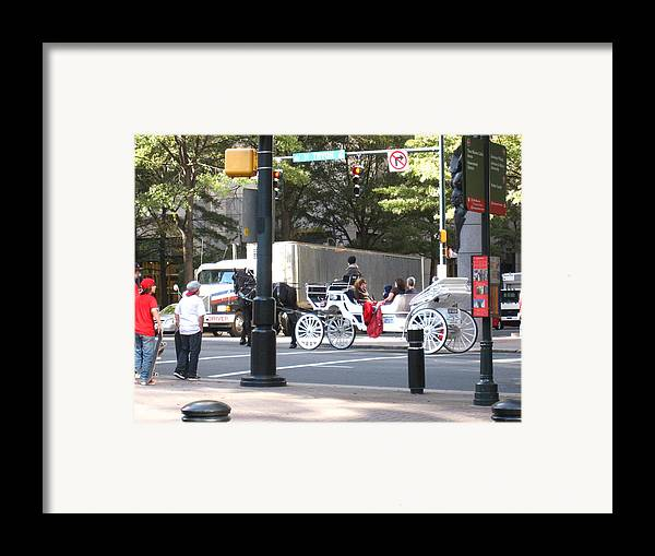 Charlotte Framed Print featuring the photograph Charlotte Nc - 12121 by DC Photographer