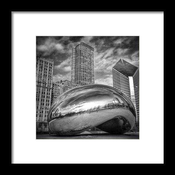 America Framed Print featuring the photograph Chicago Bean Cloud Gate HDR Picture by Paul Velgos