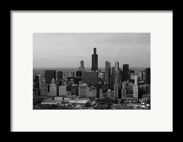 Black And White Framed Print featuring the photograph Chicago Looking West 01 Black And White by Thomas Woolworth