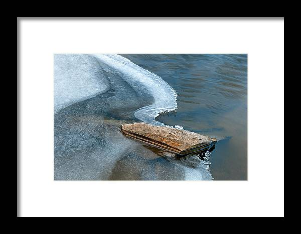 Abstract Nature Photographs Framed Print featuring the photograph Cool Curving Edge II by Rob MacArthur