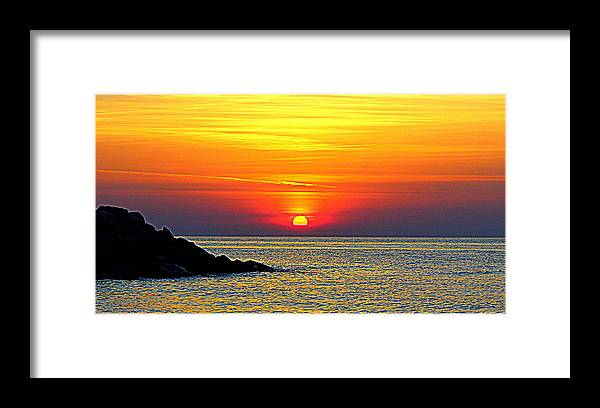 Grandview Sunrise Framed Print featuring the photograph Dawn Uplifting by Katherine Kearney