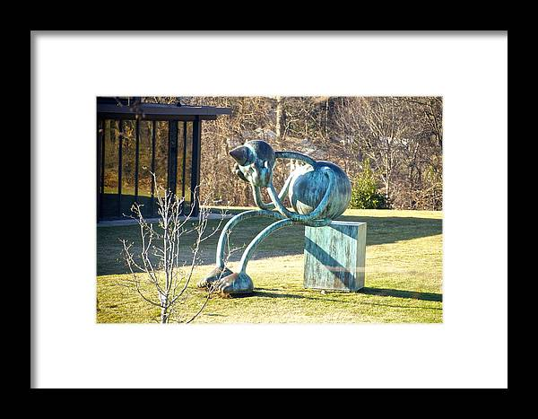 Delaware Art Museum Lawn Sculpture Framed Print featuring the photograph Delaware Art Museum Lawn by Mark Holden