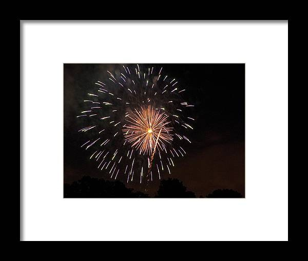 Cities Framed Print featuring the photograph Detroit Area Fireworks -10 by Paul Cannon