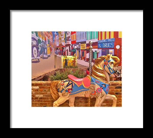 Couple Framed Print featuring the photograph Downtown by Layla Alanazi
