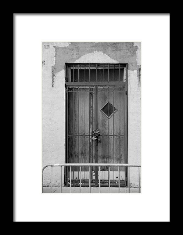 Wtc Framed Print featuring the photograph Enter In Black And White by Rob Hans