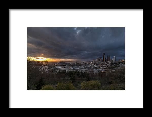 Seattle Framed Print featuring the photograph Evening Skies Light by Mike Reid