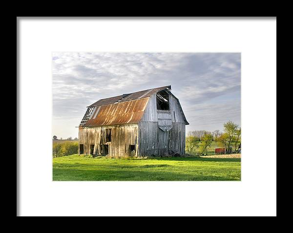 Barn Framed Print featuring the photograph Faded Glory by Nadya Johnson