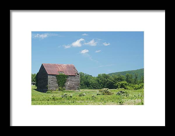 Barns Framed Print featuring the photograph Farm House by Jeffery L Bowers