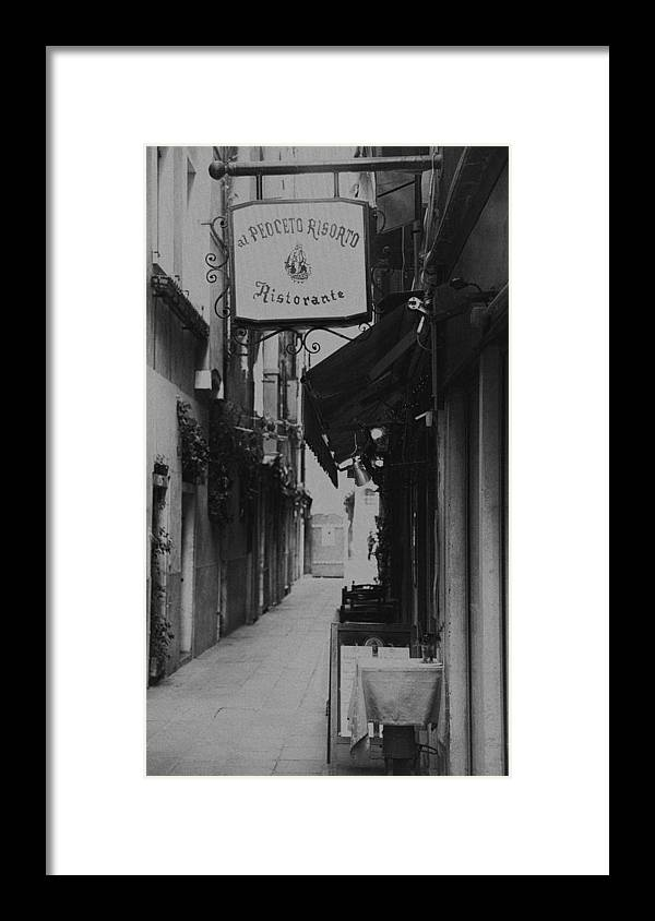 Canon 5d Mk Ii Framed Print featuring the photograph Fine Dining by Craig Brown