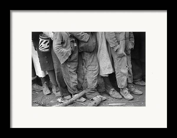 1937 Framed Print featuring the photograph Flood Refugees, 1937 by Granger