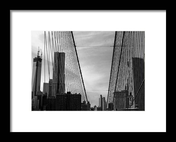 Brooklyn Bridge Framed Print featuring the photograph Freedom Lies Beyond by Mark Szep